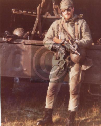 Einheitsführer einer Infanterie-Kampfeinheit (Jäger) während einer Wehrübung im Jahr 1980